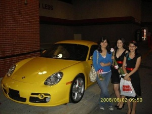 Alice's yellow Porsche showed up to take pictures with fans (nobody snapped a picture of Alice, unfortunately).