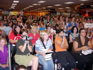 Part of the crowd in the Woodbury, MN Borders.  (Thanks, Shazz, for all the Minnesota photography.)