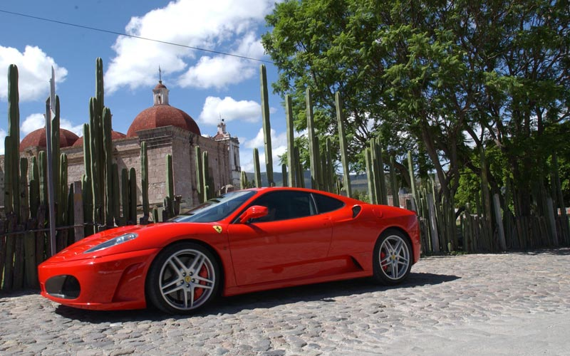 And, of course, Bella's 'after' car, a Ferrari F430: